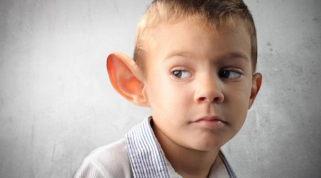 Ebeveynler dikkat: Kepçe kulak çocukların psikolojisini bozuyor