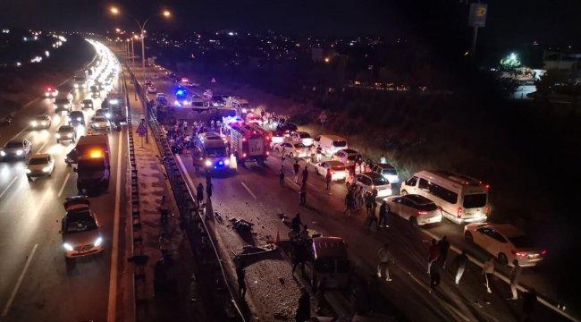 Son dakika haberi: TEM'de yolcu otobüsü devrildi! Ölü ve yaralılar var